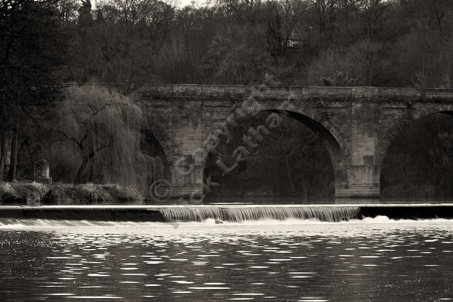 Prebends Bridge and Weir