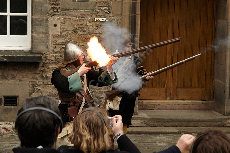 Edinburgh Castle - Musketeer demonstration