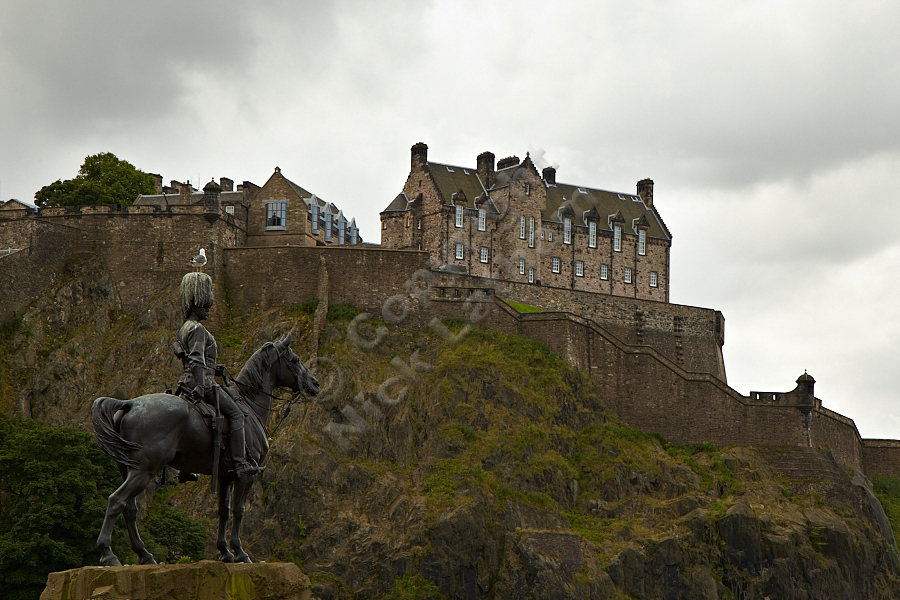Royal Scots Greys' statue and Edinburgh Castle