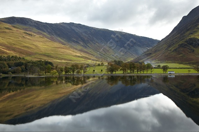 Buttermere reflections - Littledale and Hindscarth Edges to the left, Fleetwith Pike to the right